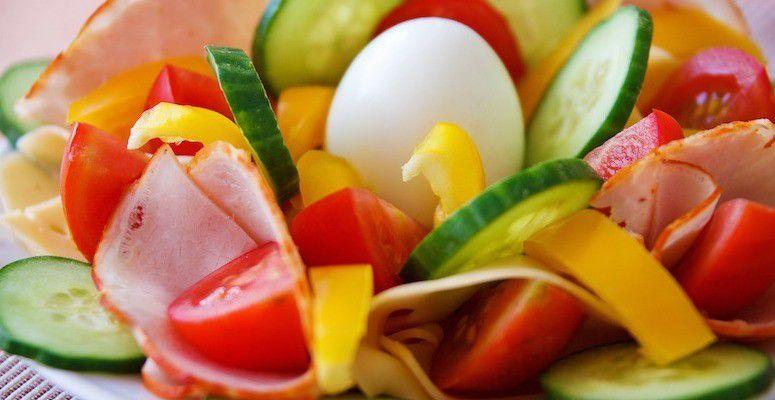 Se min meny: næringsrik, ren mat. Men den krasjer med offentlige kostråd